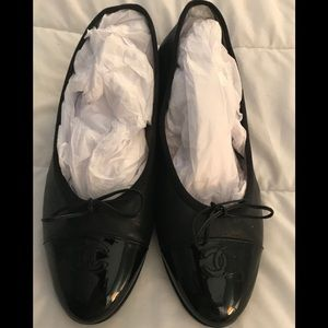 EUC AUTHENTIC CHANEL BALLET FLATS 39.5  BLACK